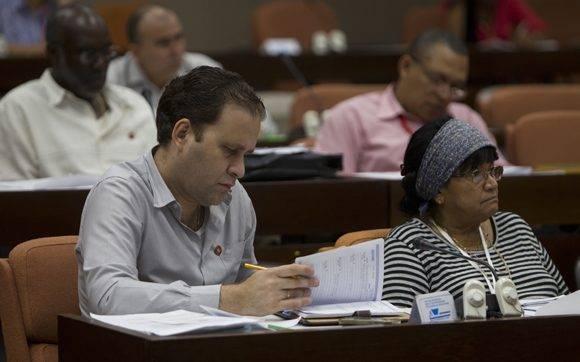 Trabajo en Comisiones de la Asamblea Nacional del Poder Popular. Foto: Ladyrene Pérez/ Cubadebate