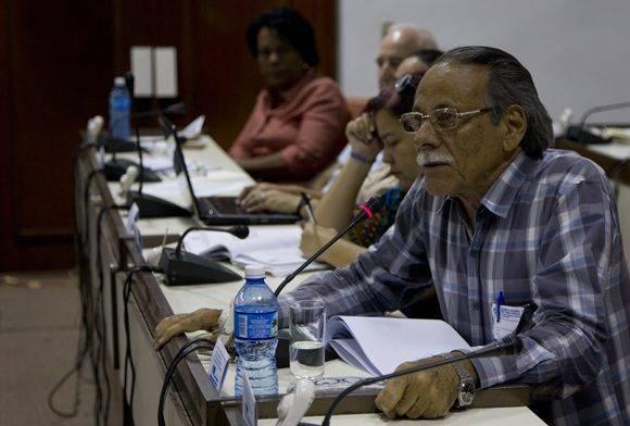 Adolfo Rodríguez Nodals, Jefe del Grupo Nacional de Agricultura Urbana y Suburbana, se refirió a los resultados del último recorrido nacional. Foto: Ladyrene Pérez/ Cubadebate.