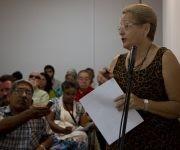 La diputada Diana Rosa Suárez expone el informe sobre la asignación de parcelas para construir viviendas por esfuerzo propio. Foto: Ladyrene Pérez/ Cubadebate.