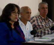 La presidencia de la Comisión de Industria, Construcción y Energía con su presidente, Santiago Lajes Choy, en el centro. Foto: Ladyrene Pérez/ Cubadebate.