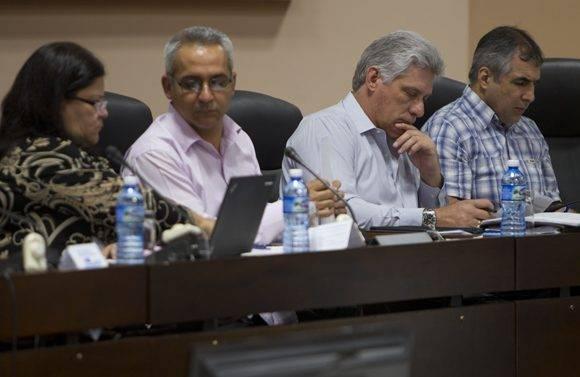 Miguel Díaz-Canel asiste a la tercera jornada del trabajo en comisiones de la ANPP. Foto: Ladyrene Pérez.