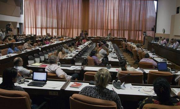 El trabajo en Comisiones del parlamento cubano termina este miércoles. Foto: Ladyrene Pérez/ Cubadebate.