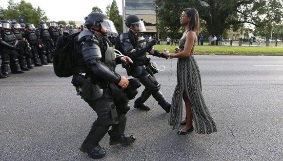La imagen de las protestas raciales en EEUU que está dando la vuelta al mundo.