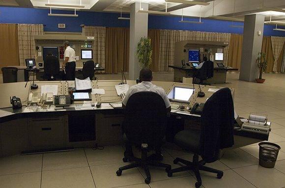 Sala de control del Centro de Control de Tráfico Aéreo (ATC). Foto: Ladyrene Pérez/ Cubadebate.