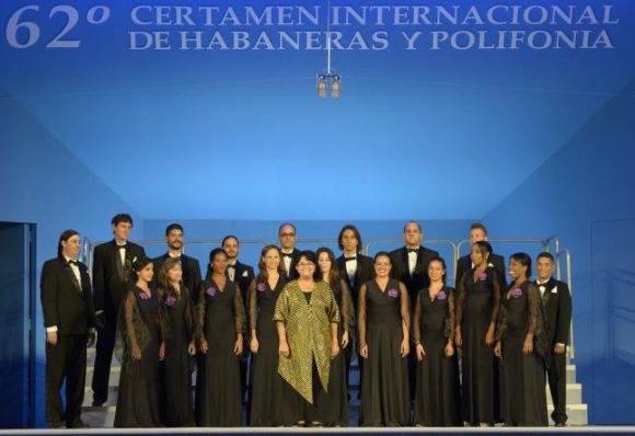 """Coro cubano """"Entrevoces"""" arrasa en el Certamen Internacional de Habaneras en España"""