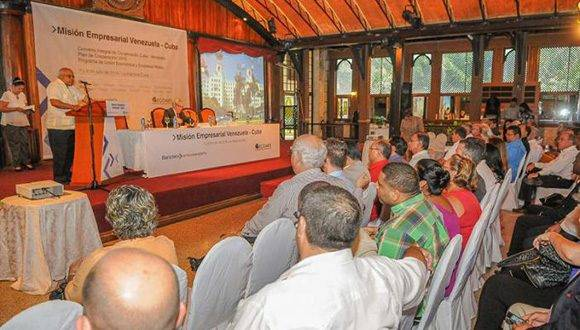 Foro de Negocios celebrado en La Habana entre Cuba y Venezuela. Foto: Granma.