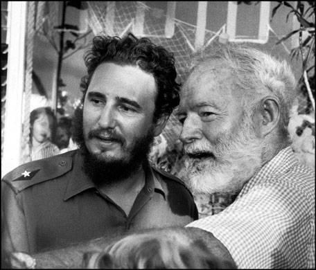 Fidel Castro y Ernest Hemingway en La Habana.