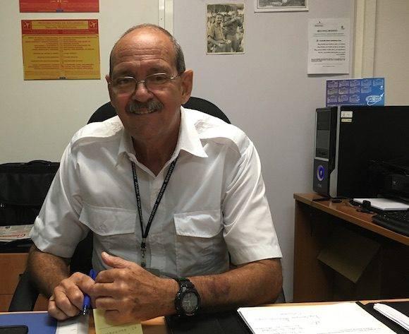 El jefe del Departamento de Seguridad de la Aviación, del Instituto de Aeronáutica Civil de Cuba (IACC), Armando Darío Garbalosa Cruz. Foto: Cubadebate