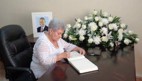 Cuba lamenta la muerte de exprimer Ministro de Trinidad y Tobago