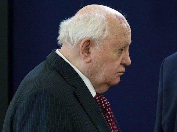 Mijail Gorbachov, quien cumplirá 85 años en marzo próximo, visitó recientemente el Kremlin. Foto: Ivan Sekretarev, pool/ AP)