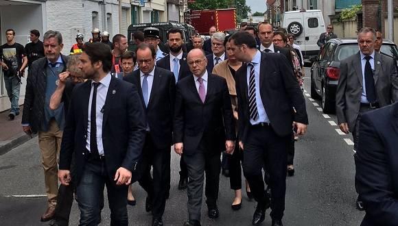 El presidente François Hollande se desplazó hacia el lugar d elos hechos. Foto: Twitter.
