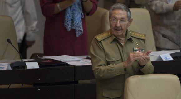 El Presidente cubano Raúl Castro Ruz en el plenario de la Asamblea Nacional. Foto: Ismael Francisco/ Cubadebate