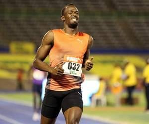 Reitera Usain Bolt su ilusión de jugar en el Manchester United