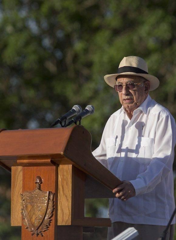 José Ramón Machado Ventura durante su discurso en la Plaza de la Revolución Serafín Sánchez, de Sancti Spíritus. Foto: Ismael Francisco/ Cubadebate