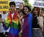 Según los organizadores, unos 300 mil visitantes de 66 países han llegado a la capital española para esta fiesta, la cual sirve como ensayo para el año que viene ya que Madrid ha sido elegida como sede para el World Pride 2017. Foto: AFP