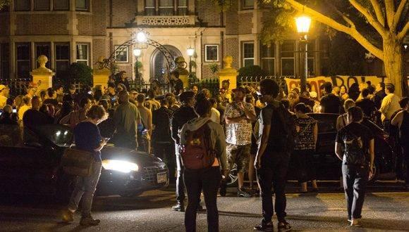 Con el Hashtag #PhilandoCastile, los estadounidenses piden justicia por la muerte de este afroamericano en manos de la policia. Foto: Twitter.