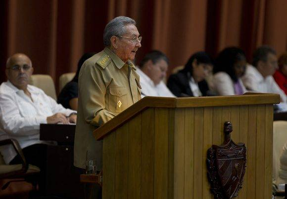El Presidente cubano Raúl Castro Ruz en el plenario de la Asamblea Nacional. Foto: Ladyrene Pérez/ Cubadebate