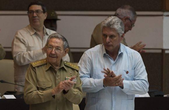 El Presidente cubano Raúl Castro Ruz clausuró la sesión plenaria de la Asamblea Nacional. Foto: Ladyrene Pérez/ Cubadebate