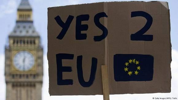 El Gobierno británico rechazó este sábado  la celebración de un segundo referéndum sobre la salida del Reino Unido de la Unión Europea (UE). Foto: AFP.