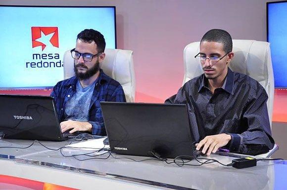 Periodistas de la Mesa Redonda y Cubadebate dieron seguimeinto al tema en las redes sociales. Foto: Roberto Garaicoa/ Cubadebate.