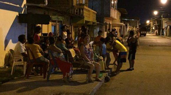 El Servicio Integrado de Seguridad informò que en varios sectores de la provincia de Esmeraldas se cortó la electricidad. Foto: Marcel Bonilla/ EL COMERCIO.