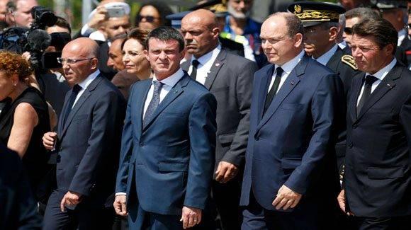 Ministro francés de Interior, Manuel Valls, a su llegada a Niza. Foto: El Periódico Internacional.