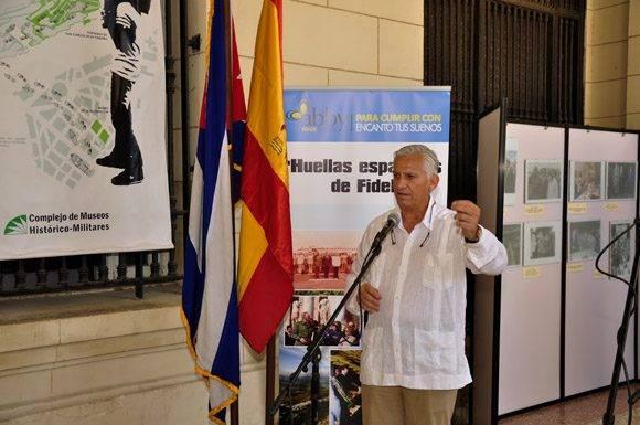 Miguel Ángel Alvelo, gestor de las fotografias expositivas. Foto. Roberto Garaicoa Martínez/ Cubadebate