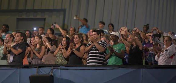 Cumpleaños 90 de Fidel Castro en el Teatro Karl Marx, de La Habana, el 13 de agosto de 2016. Foto: Ismael Francisco/ Cubadebate
