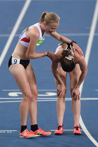 Abbey D'Agostino y Nikki Hamblin: el espíritu Olímpico. Foto: Getty Images / Shaun Botterill