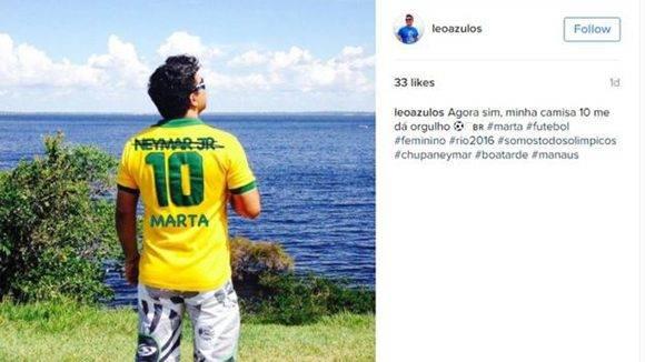 Ahora sí, mi camiseta número 10 me da orgullo, escribió el usuario de Instagram Leonardo Souza (@leoazulos).