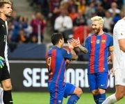 Messi y Suárez celebran el gol del uruguayo. El argentino aún no ha marcado en esta pretemporada.
