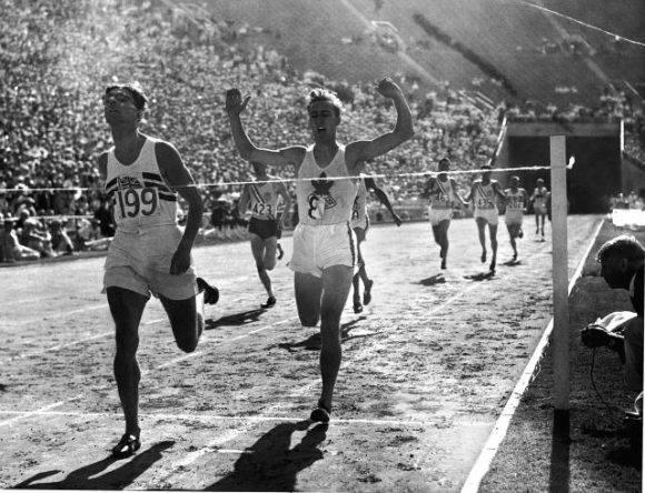 Carrera con obstáculos en los Juegos de 1932. Foto tomada de La Guía del Varón.