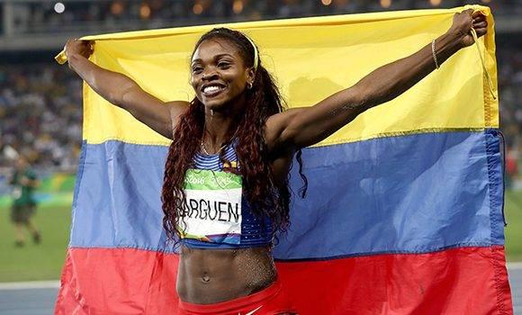 La colombiana conquistó el oro en el triple salto.
