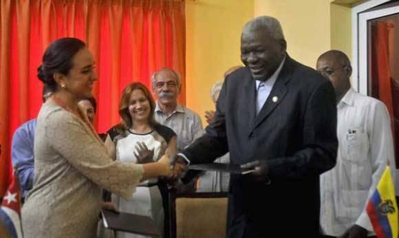 Cuba y Ecuador firman acuerdos interparlamentarios de cooperación