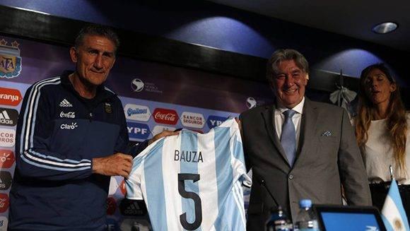 Presentación de Bauza, el nuevo DT de Argentina. Foto tomada de AS.