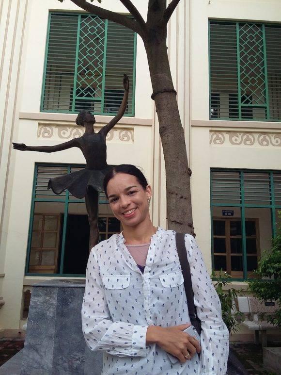 En la Academia de Danza de Hanoi. Foto Liurka Rodríguez