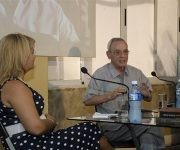 """Eusebio Leal en el espacio """"Encuentro con…"""" tocó importantes temas sobre la cultura cubana. Magda Resik fue la moderadora. Foto: Alexis Rodríguez."""