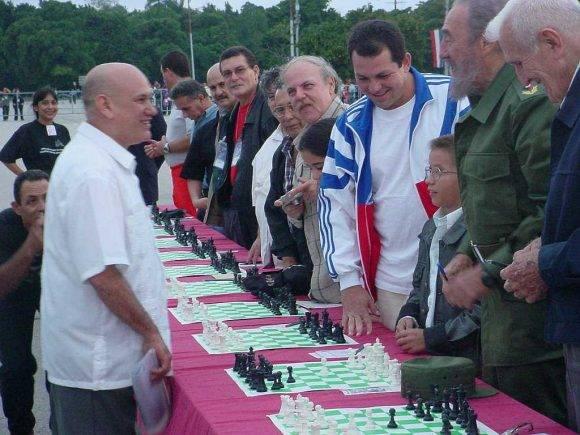 Siempre demoraba más tiempo en la partida Fidel-Lazarito, por el intercambio de comentarios que se suscitaban.