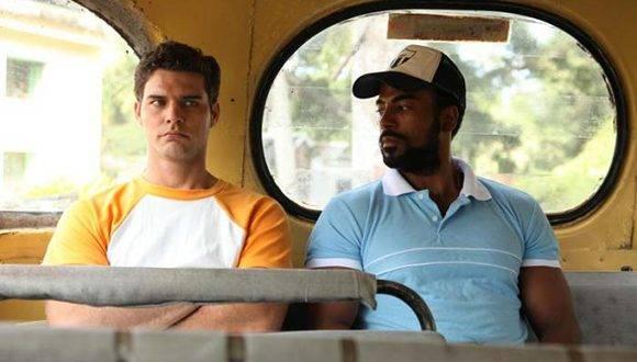 Armando Miguel Gómez (izquierda) y Yotuel Romero (derecha), protagonistas de El Acompañante.