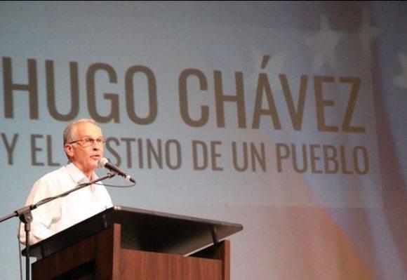 Germán Sanchez Otero en la presentación del libro. Foto tomada de ciudadccs.info.