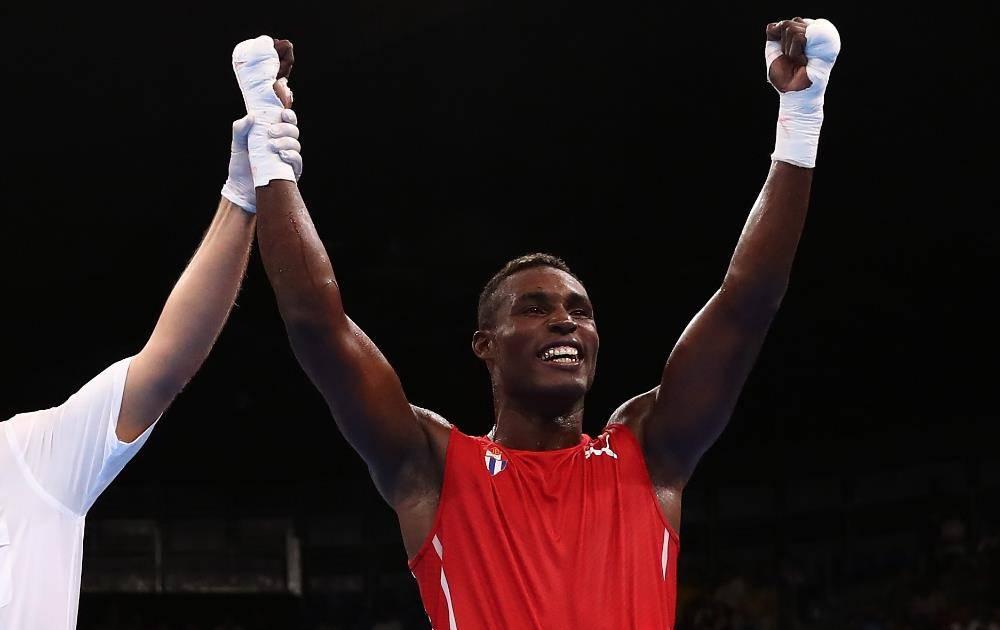 Julio César La Cruz y Yarisley Silva, mejores atletas del 2017 en Cuba