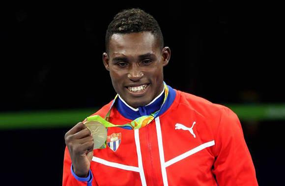Julio César La Cruz, mejor atleta camagüeyano de agosto