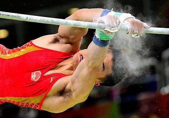 Lin Chaopan, del equipo chino, en pleno ejercicio.