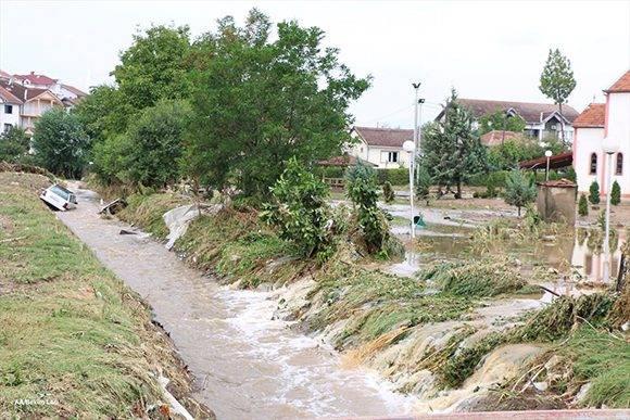 Intensas lluvias en Macedonia. Foto tomada de Twitter.