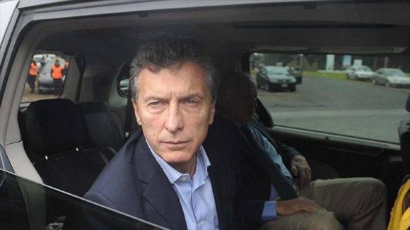 Macri se moverá en un auto blindado para protegerse de su propio pueblo. Foto tomada de Hispan TV.