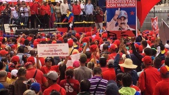 Maduro llama Paz