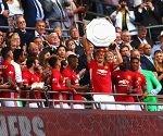 Manchester United celebra el triunfo en la Community Shield del 2016
