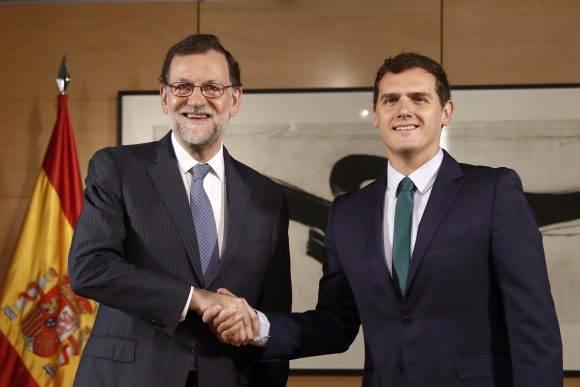 Mariano Rajoy y Albert Rivera. Foto tomada de vozpopuli.com