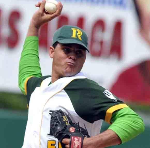 El as de los Vegueros, Yosvany Torres, ha comenzado la SN con balance de 1-1 y promedio de 4,67 carreras limpias. Foto: Marcelino Vázquez/ ACN/ Archivo.