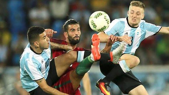 Portugal venció con facilidad a Argentina en debut del fútbol en Río-2016.
